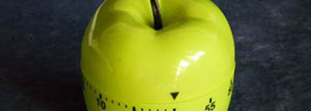 green apple shaped kitchen timer